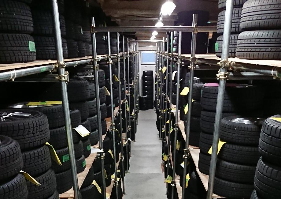 タイヤ専門倉庫があるから提供できるタイヤ預かりサービス