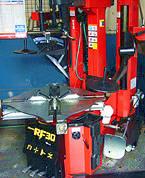 30インチ対応 大型タイヤチェンジャー導入